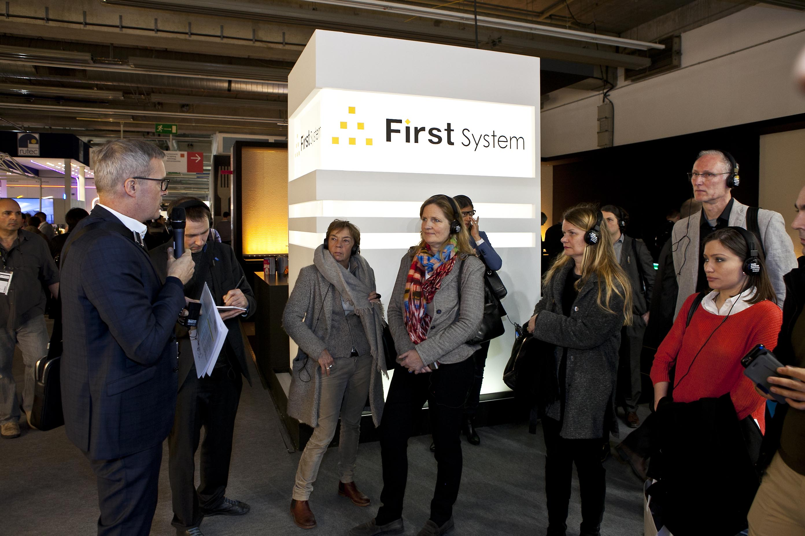 «LED = flickerfree: something new?» Tour by Michael F. Rohde at Light+Building